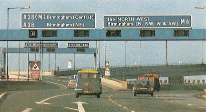 Spaghetti_Junction_in_the_1980s._Note_the_Z_bends_sign_and_'Midlands'_lights._-_Coppermine_-_4556