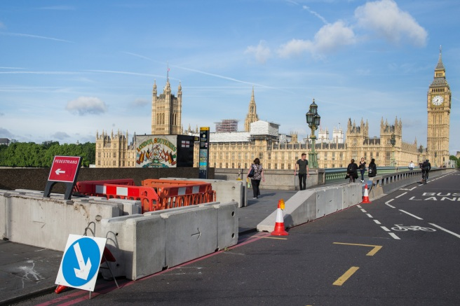 westminsterbridgebarrier1.jpg